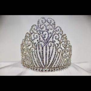 Accessories - Beautiful tiara
